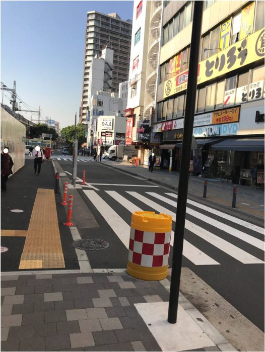 JR関内駅近くの通り